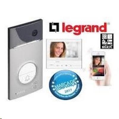 Legrand - CLASSE 300X13E – LINEA 3000 videosada s handsfree s presmerovaním hovoru na smartfón a kľúčenkami na odomykani